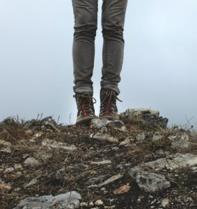 hiking-boots-PXBY-455754_1920